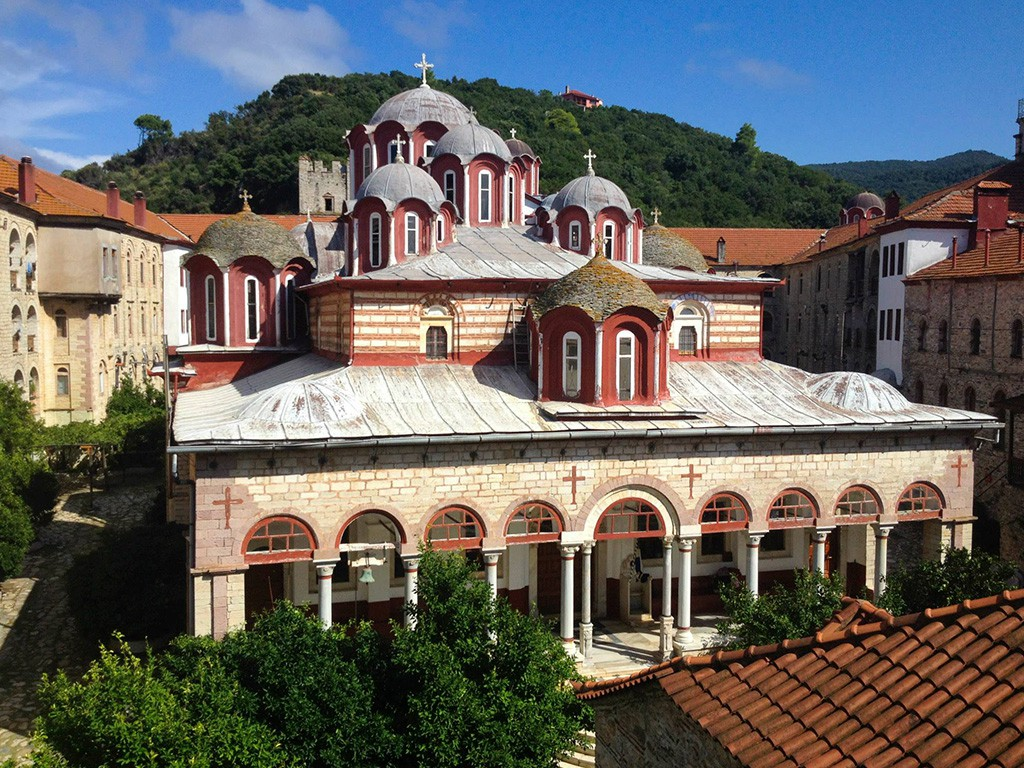 Katholikonul - biserica mare a Manastirii Esfigmenu